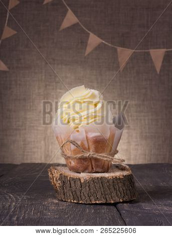 Festive Kraft Composition. Cupcakes Are Handmade On A Tray Of Wood On The Background Burlap
