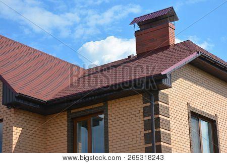 Asphalt Shingles Roofing Construction, Repair. Problem Areas For House Asphalt Shingles Corner Roofi