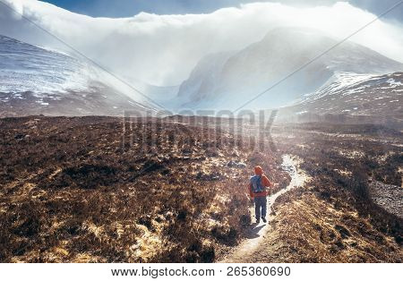 Incredible View To The Ben Nevis Mount - Is The Highest Mountain In The British Isles. Alone Travele