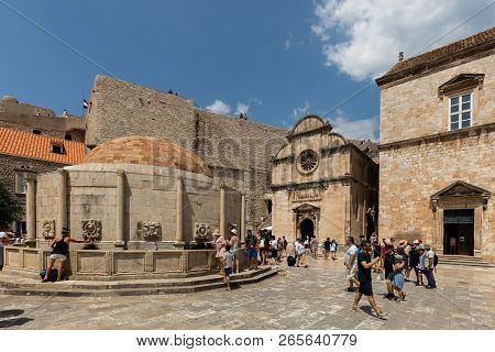 Dubrovnik, Croatia, July 31, 2018: Onofrio Fountain, Located At The Entrance To The Dubrovnik Old To