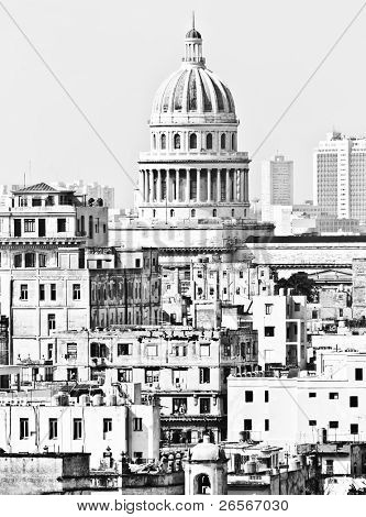 Detailed black and white image of Old Havana with the Capitol building