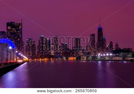 Chicago skyline from the Navy Pier during dusk time