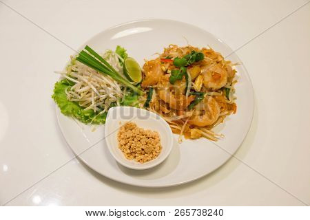 Pad Thai Stir-fried Rice Noodle With Shrimp. Thai Style Fried Noodle