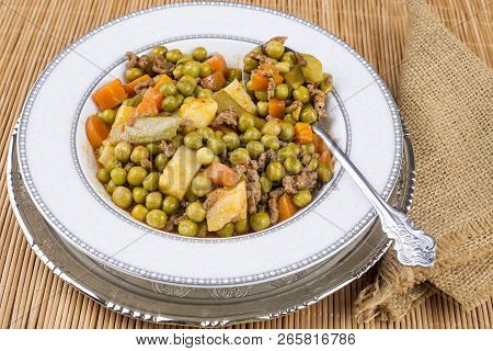 Turkish Food Meaty Green Pea Stew / Stewed Meat Etli Bezelye.
