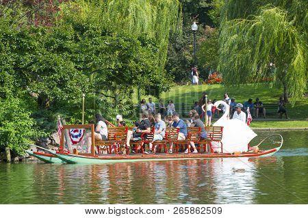 Boston - Aug. 6, 2017: Swan Paddle Boat In Public Garden In Boston, Massachusetts, Usa.