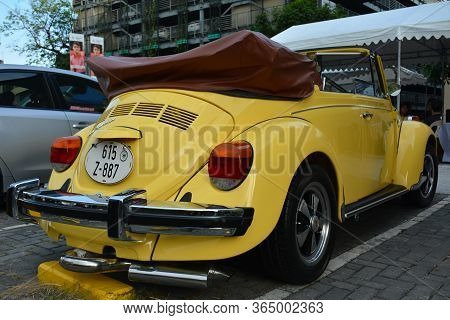 Quezon City, Ph - Apr 13 - Volkswagen Beetle Convertible At Rev Up Car Show On April 13, 2019 In Que