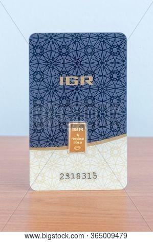 Pruszcz Gdanski, Poland - May 6, 2020: 1 Gram Of Weight Fineness Gold Certified Assayer. Igr Istanbu