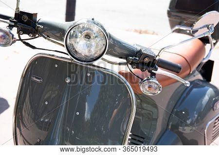 Bordeaux , Aquitaine / France - 03 03 2020 : Neco Abruzzi 125cc Vintage Retro Scooter New Modern Mod