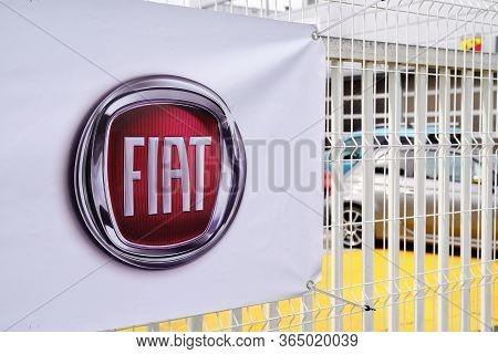 Bordeaux , Aquitaine / France - 10 17 2019 : Fiat Dealership Sign On Car Store Dealership Entrance D