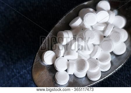 Sweetener In Tablets, Artificial Sweetener So Close