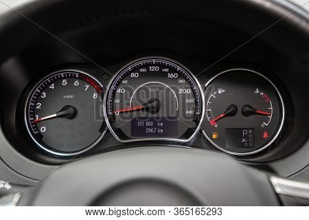 Novosibirsk/ Russia - May 02 2020: Renault Koleos, Round Speedometer, Odometer With A Range Of 101 T