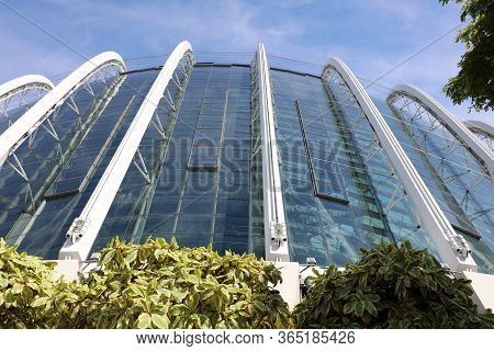 Singapore, Republic Of Singapore - December 16, 2019: Gardens By The Bay -  A Wonderful Nature Park