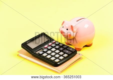 Financial Report. Building Managing And Preserving Your Wealth. Financial Support Consulting. Course