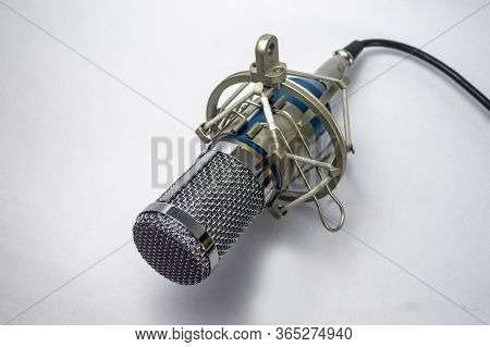Condenser Microphone Using For Studio Recording And Dubbing