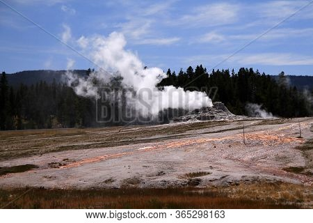 The Castle Geyser And The White Eruption