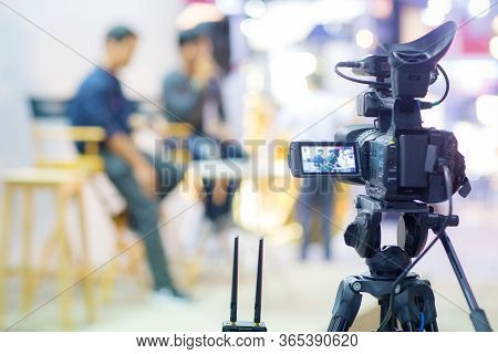 Camera Show Viewfinder Image Catch Motion In Interview Or Broadcast Wedding Ceremony,  Stopped Motio
