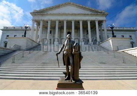 George Washington statue at South Carolina State House in Columbia, South Carolina, USA.