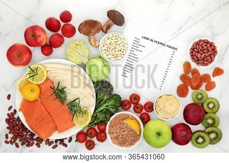 Low glycemic food for diabetics with foods below 55 on the GI index. High in vitamins, minerals, anthocyanins, antioxidants, smart carbs & omega 3 fatty acids. Corresponding list of values included.