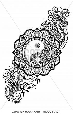 Circular Pattern In Form Of Mandala For Henna, Mehndi, Tattoo, Decoration. Decorative Ornament In Et