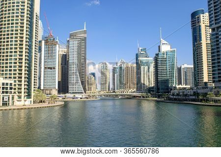 Dubai / Uae - November 11, 2019: Dubai Marina Luxury Touristic District With Many Skyscrapers And Br