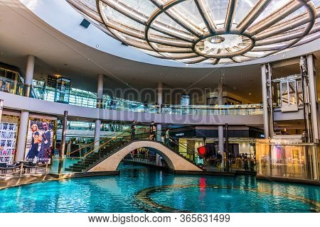 Singapore - Mar 2, 2020: Interior Of The Shoppes At Marina Bay Sands In Singapore