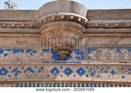 Gwalior, Madhya Pradesh/india : March 15, 2020 - Exterior Of Gwalior Fort 'mughal Structure'