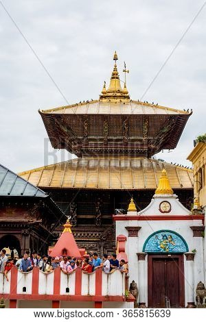 Kathmandu, Nepal-august 26,2018: Devotees At Pashupatinath Temple In Bagmati River Kathmandu. This I