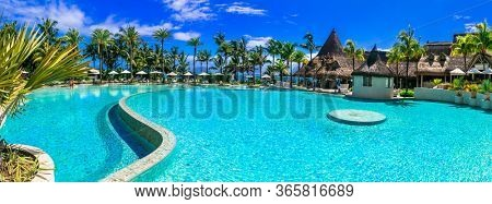 luxury 5 star resort territory with swimming pool and hotel rooms - Lux Bell mare resort