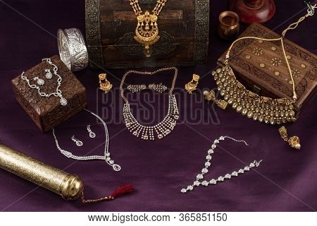 Indian Antique Jewellery And Modern Jewellery With Gold Diamond And Silver Accesories For Wedding An