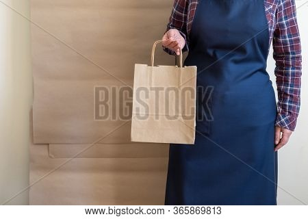 Worker Delivery Service Packing Bag Box Apron Packer Shipping Open Coffee To Go