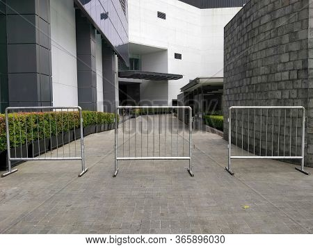 Wtc Ii, Sudirman, Jakarta, Indonesia - April 28, 2020 :barricades Installed In Office Areas During T