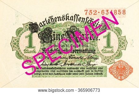 A Single 1 German Mark Bank Note (1914) Obverse