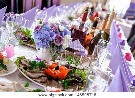 Wedding Table Decorations With Food And Beverages
