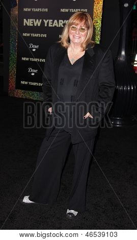 "LOS ANGELES - DEC 05:  PENNY MARSHALL arriving to ""New Year's Eve"" World Premiere  on December 5, 2011 in Hollywood, CA"