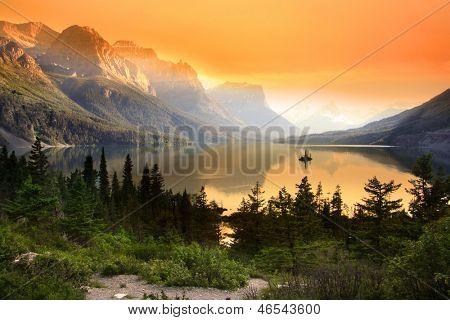 Wilde gans eiland in Glacier national park