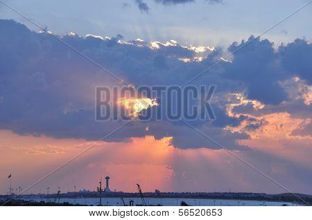 Abu Dhabi westlichen Himmel