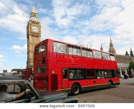 London Big Ben and double decker bus