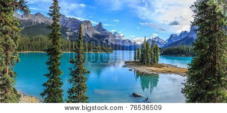 Spirit Island in Maligne Lake