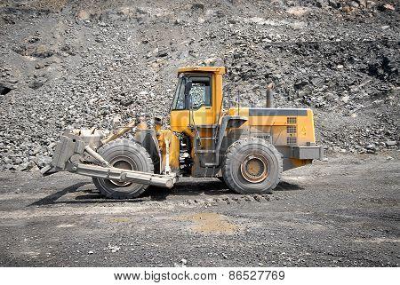 Wheel bulldozer