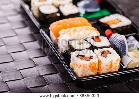 Traditional Sushi Box