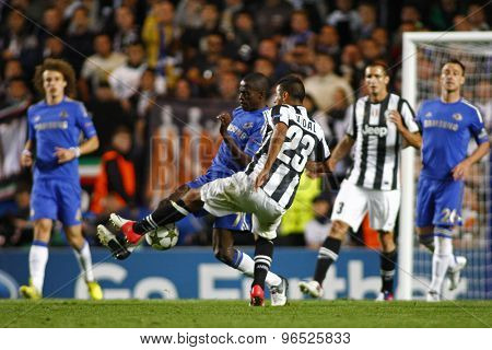 LONDON, ENGLAND. September 19 2012 Chelsea's midfielder Ramires and Juventus's midfielder Arturo Vidal compete for the ball during the UEFA Champions League football match between Chelsea and Juventus