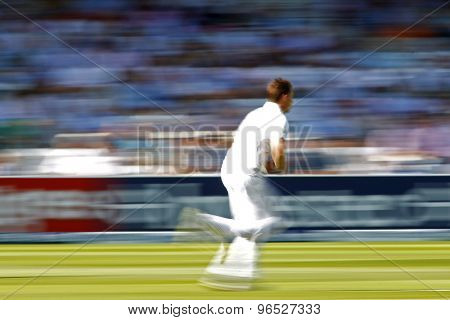 LONDON, ENGLAND. AUGUST 17 2012 Slow shutter image of South Africa's Dale Steyn running in to bowl during the third Investec cricket  test match between England and South Africa