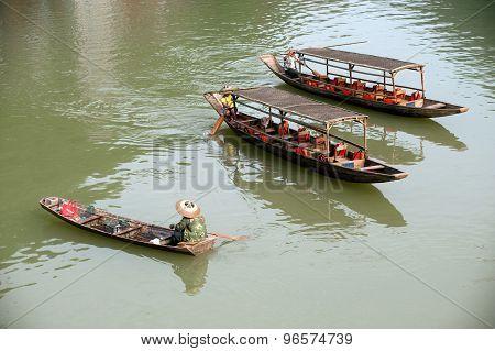 Travel Boat In River.