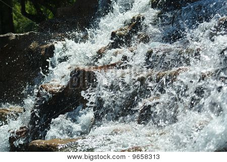 Active Waterfall