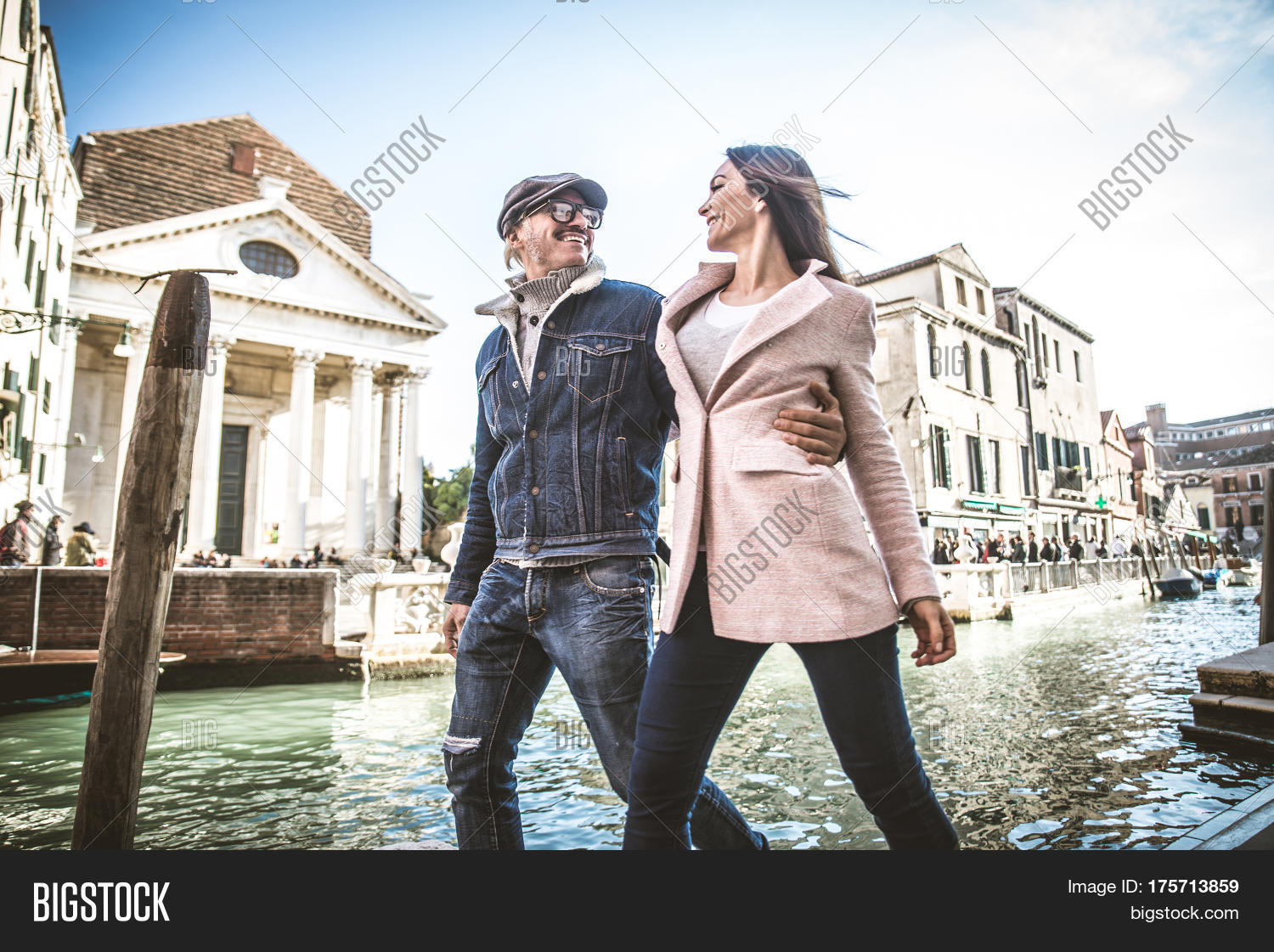 venice big and beautiful singles Plentyoffish dating forums are a place to meet singles and get dating advice or share dating experiences etc hopefully you will all have fun meeting singles.