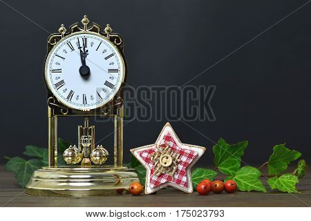 Christmas decoration: Vintage clock and Christmas star ornament