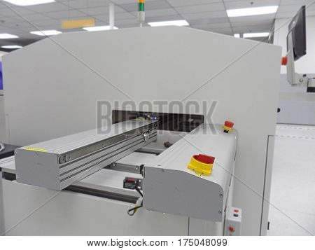 Electronic Industrial,SMT reflow oven machine,Robot inspection,Automation machine in modern manufacturing.