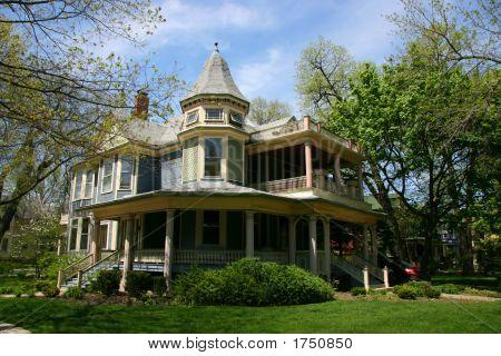 Wooden House In Oak Park