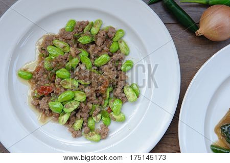 Stir-fried With Stink Beans And Pork