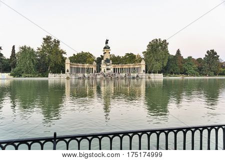 Madrid (Spain): the Park of Buen Retiro at evening. Palace and lake